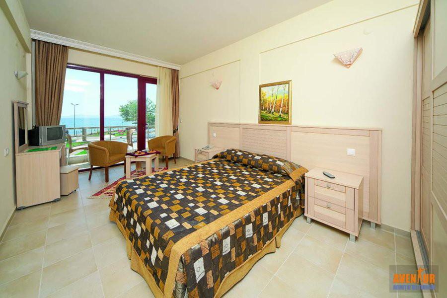 https://aventur.ro/assets/media/imagini_hoteluri/OZGUMU/Kusadasi_Gumuldur_Resort_11.jpg