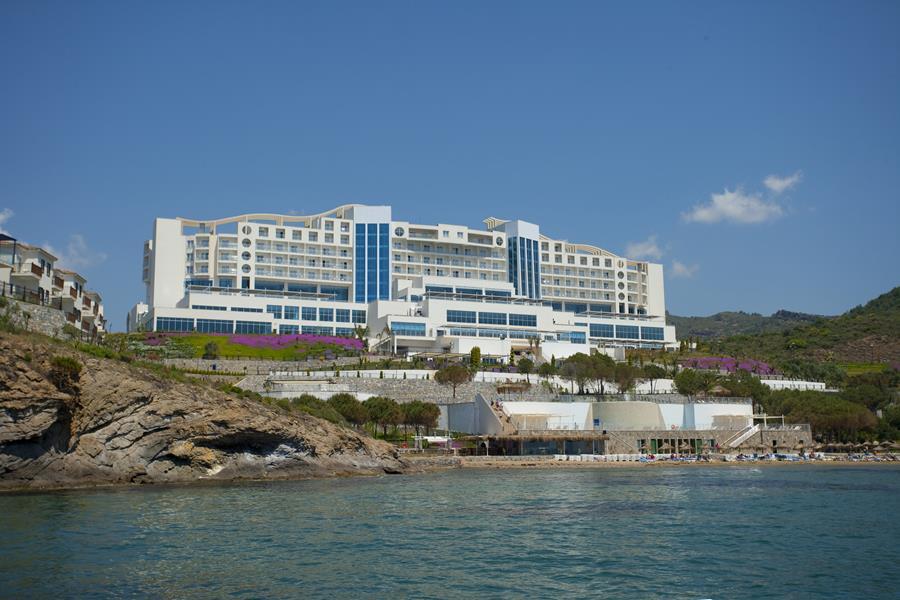 https://aventur.ro/assets/media/imagini_hoteluri/OZONYR/OZONYR-HotelPict1-21068.jpg