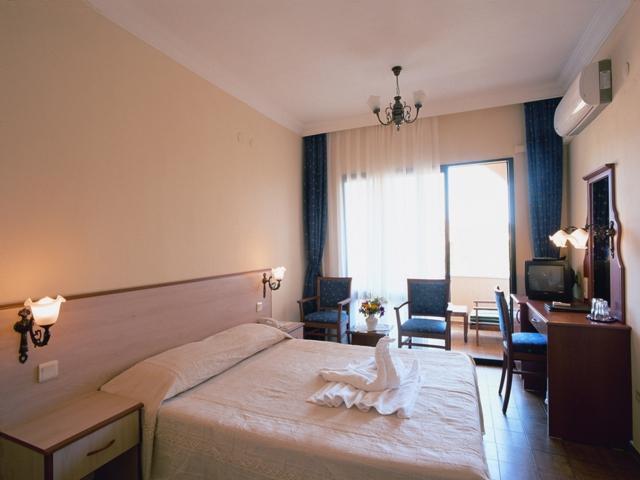 https://aventur.ro/assets/media/imagini_hoteluri/OZPARA/OZPARA-HotelPict2-6582.jpg