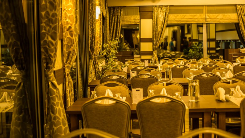 https://aventur.ro/assets/media/imagini_hoteluri/PAR735/restaurant.jpeg