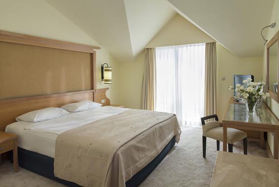 https://aventur.ro/assets/media/imagini_hoteluri/SDALVA/SDALVA-HotelPict5-19215.jpg