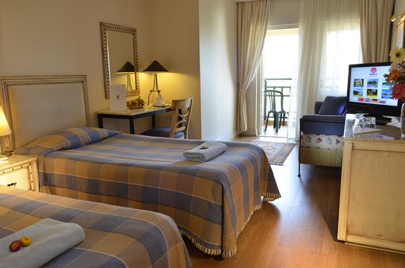 https://aventur.ro/assets/media/imagini_hoteluri/SDBAAC/SDBAAC-HotelPict3-18728.jpg