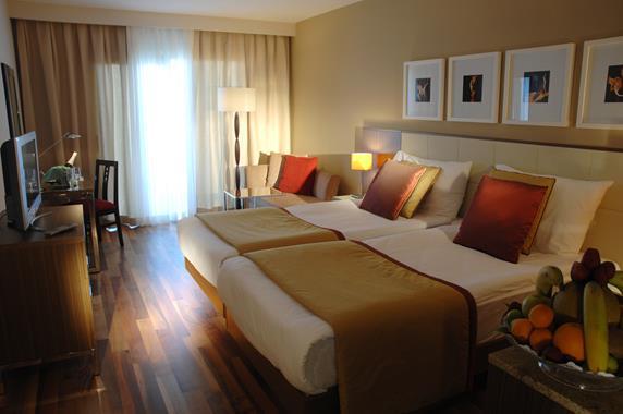 https://aventur.ro/assets/media/imagini_hoteluri/SDBAAR/SDBAAR-HotelPict6-18740.jpg