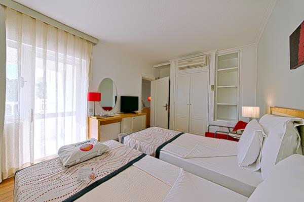 https://aventur.ro/assets/media/imagini_hoteluri/SDBACE/SDBACE-HotelPict13-13755.jpg