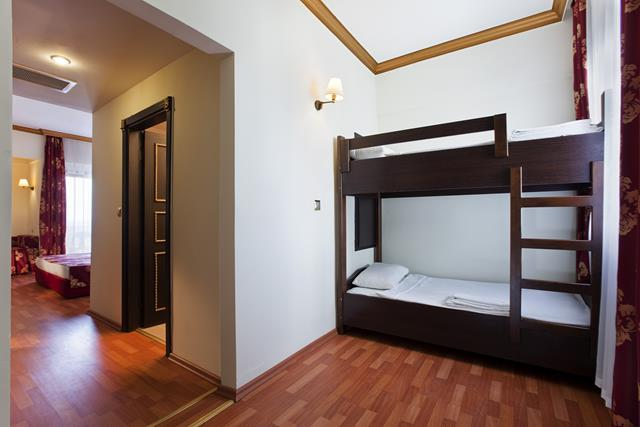 https://aventur.ro/assets/media/imagini_hoteluri/SDCESA/SDCESA-HotelPict10-8997.jpg