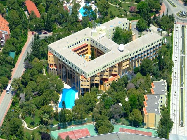 https://aventur.ro/assets/media/imagini_hoteluri/SDCORI/SDCORI-HotelPict1-5695.jpg