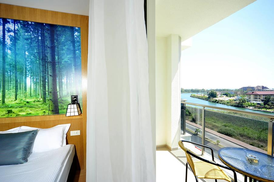 https://aventur.ro/assets/media/imagini_hoteluri/SDLAKE/SDLAKE-HotelPict6-21022.jpg