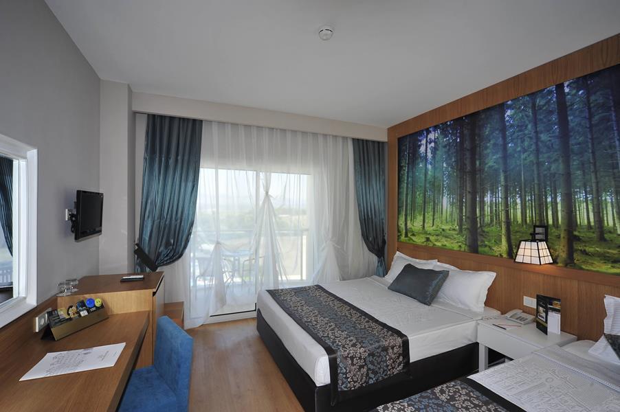 https://aventur.ro/assets/media/imagini_hoteluri/SDLAKE/SDLAKE-HotelPict7-21023.jpg