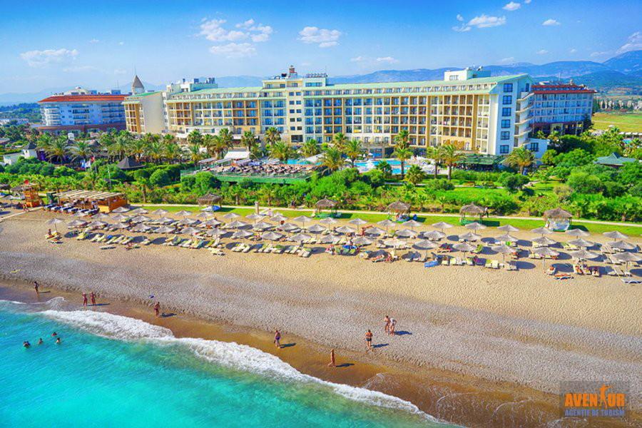 https://aventur.ro/assets/media/imagini_hoteluri/SDLYRA/Side_Lyra_Resort_Hotel_1.jpg