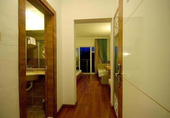 https://aventur.ro/assets/media/imagini_hoteluri/SDMAGO/SDMAGO-HotelPict8-18843.jpg