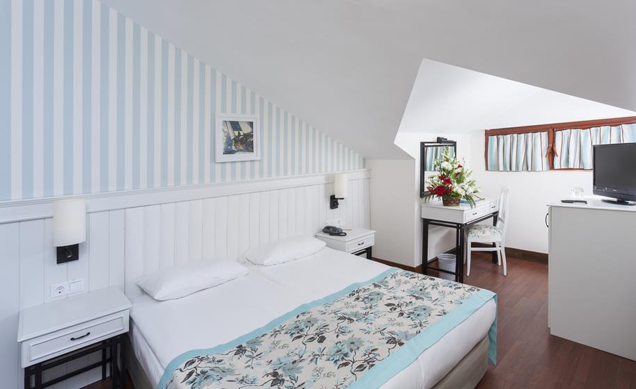 https://aventur.ro/assets/media/imagini_hoteluri/SDMONC/SDMONC-HotelPict5-21886.jpg