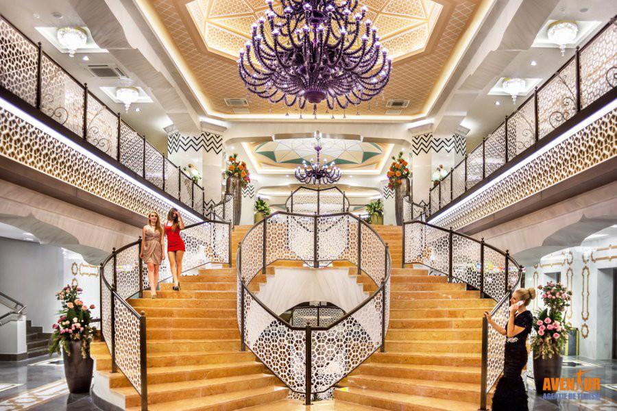 https://aventur.ro/assets/media/imagini_hoteluri/SDROTM/Side_Royal_Taj_Mahal_3.jpg