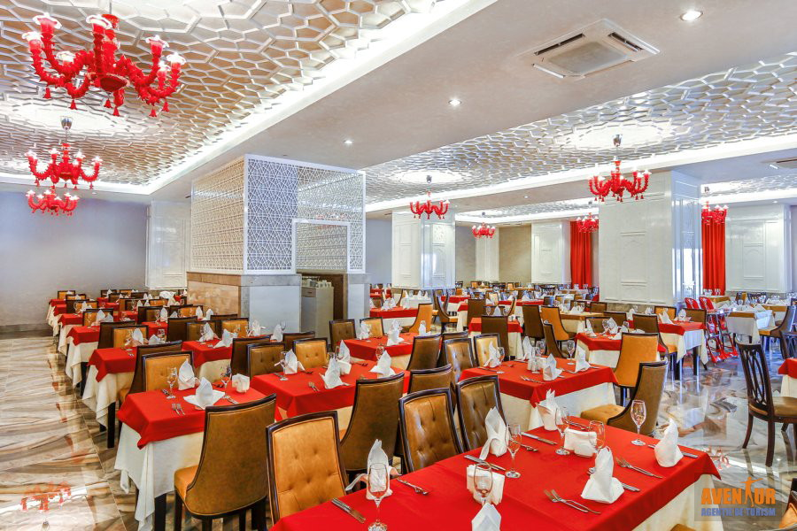 https://aventur.ro/assets/media/imagini_hoteluri/SDROTM/Side_Royal_Taj_Mahal_5.jpg
