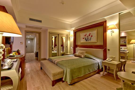 https://aventur.ro/assets/media/imagini_hoteluri/SDSIDE/SDSIDE-HotelPict9-19002.jpg