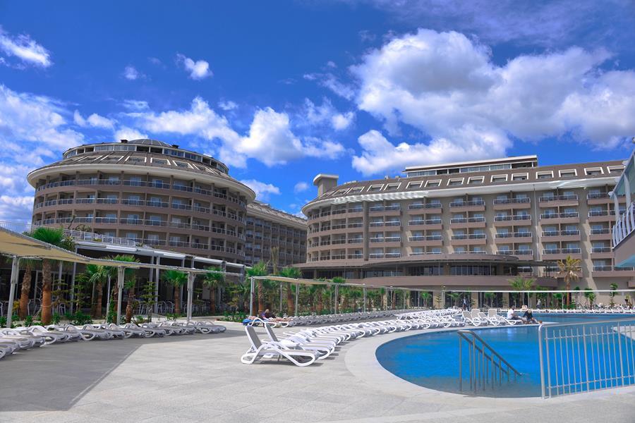 https://aventur.ro/assets/media/imagini_hoteluri/SDSUNM/SDSUNM-HotelPict2-20978.jpg