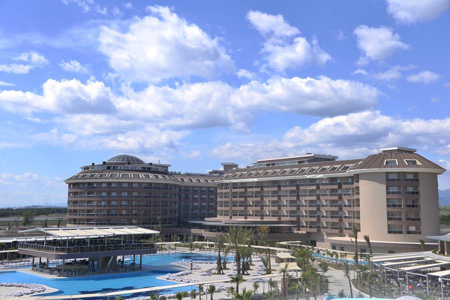 https://aventur.ro/assets/media/imagini_hoteluri/SDSUNM/SDSUNM-HotelPict4-20980.jpg