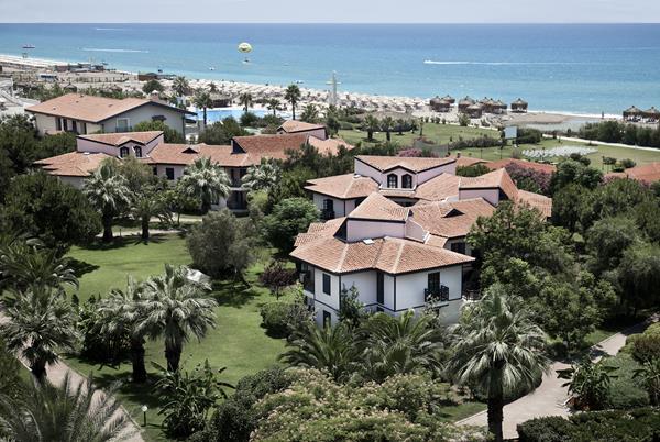 https://aventur.ro/assets/media/imagini_hoteluri/SDSUNR/SDSUNR-HotelPict12-15304.jpg