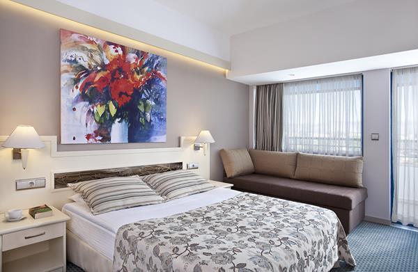 https://aventur.ro/assets/media/imagini_hoteluri/SDSUNR/SDSUNR-HotelPict13-15305.jpg