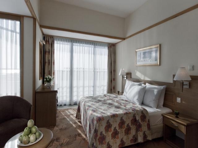 https://aventur.ro/assets/media/imagini_hoteluri/SDSUNR/SDSUNR-HotelPict3-5584.jpg