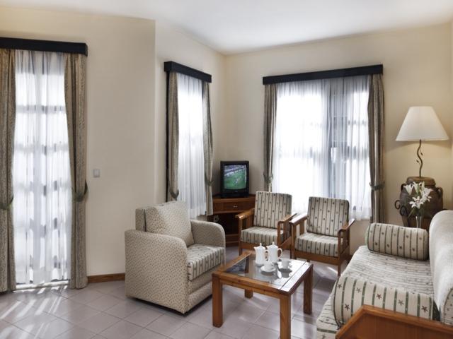 https://aventur.ro/assets/media/imagini_hoteluri/SDSUNR/SDSUNR-HotelPict5-5586.jpg