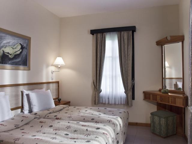 https://aventur.ro/assets/media/imagini_hoteluri/SDSUNR/SDSUNR-HotelPict7-5588.jpg
