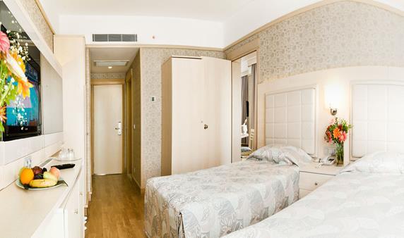 https://aventur.ro/assets/media/imagini_hoteluri/SDVOGO/SDVOGO-HotelPict11-19120.jpg